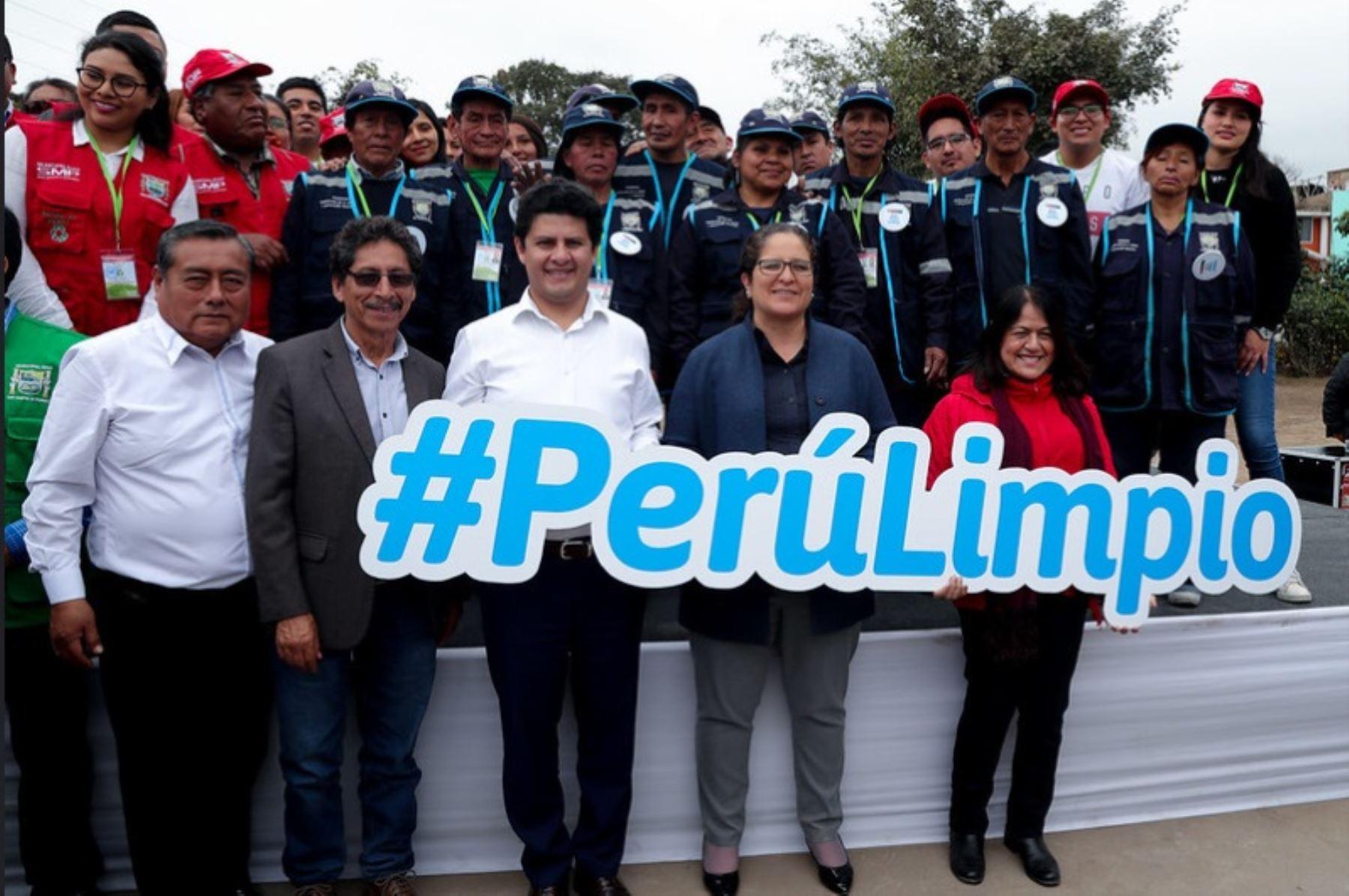 """Ministra del Ambiente, Lucía Ruiz, presenta estrategia multisectorial y descentralizada """"Perú Limpio"""""""