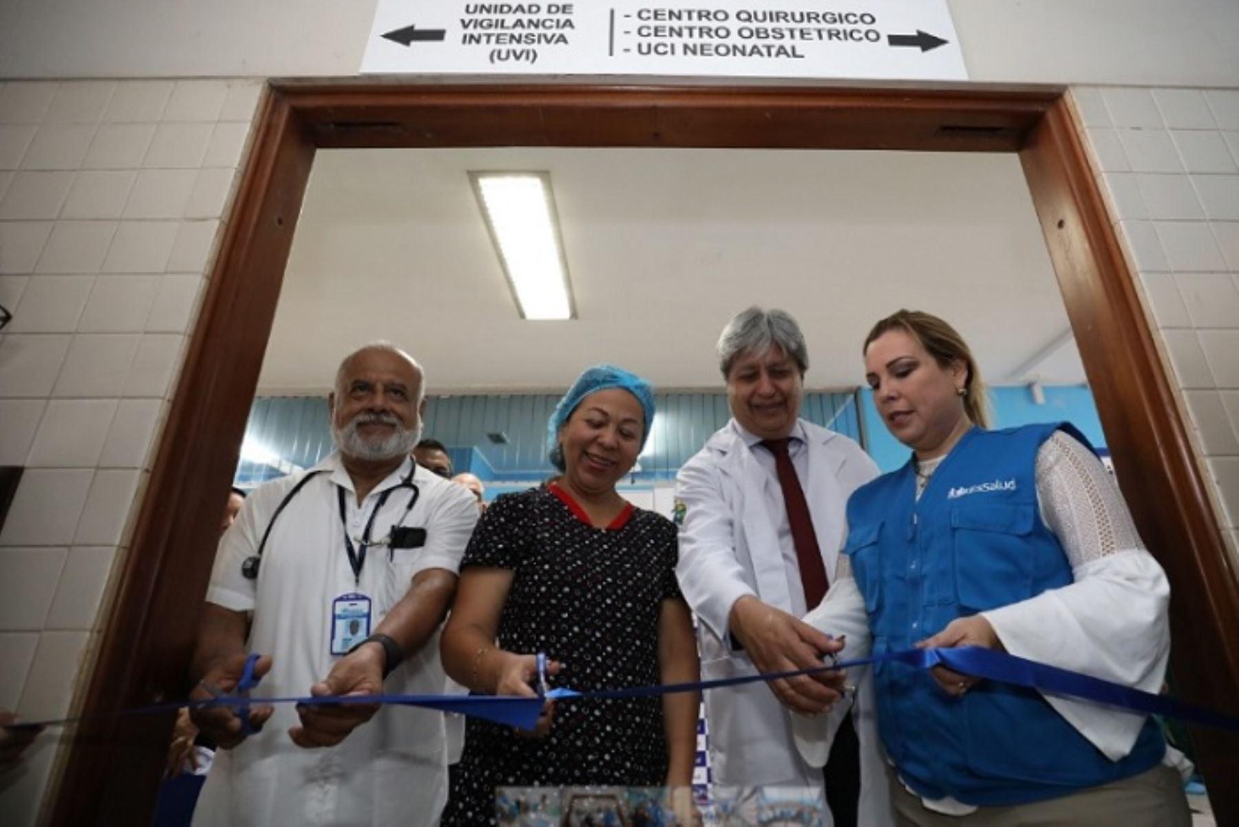 Renovados ambientes en los centros quirúrgico y obstétrico, así como en la Unidad de Cuidados Intensivos (UCI) de Neonatología del Hospital II de Pucallpa, que beneficiarán a más de 142,000 asegurados de la región Ucayali, fueron presentados por la presidenta ejecutiva del Seguro Social de Salud (EsSalud), Fiorella Molinelli.