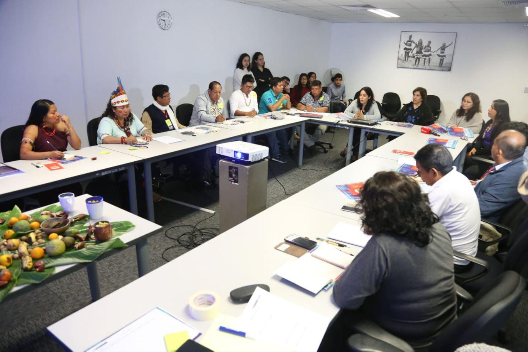 Hasta este viernes, intérpretes y enlaces de campo del Ministerio de Cultura que laboran en los departamentos de Ucayali y Loreto participarán en taller de interculturalidad.