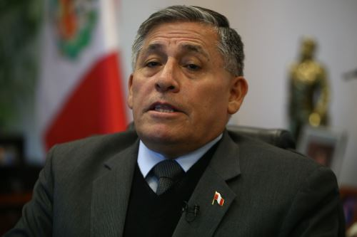 El ministro de Defensa, Jorge Moscoso, detalla las prioridades de su sector para los siguientes dos años. ANDINA/Vidal Tarqui