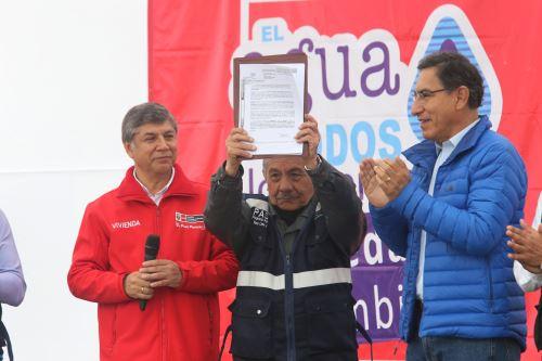 Presidente de la República, Martín Vizcarra y el ministro de Vivienda, Construcción y Saneamiento, Miguel Estrada. ANDINA/Norman Córdova