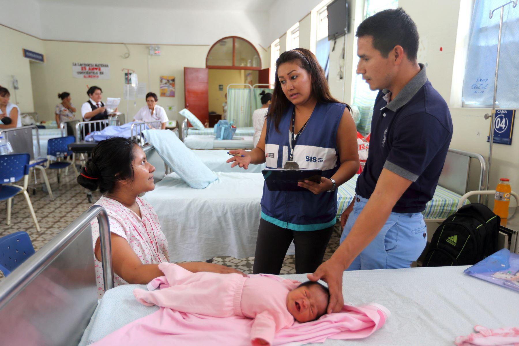 SIS garantiza atención a neonatos Foto: Andina/Difusión
