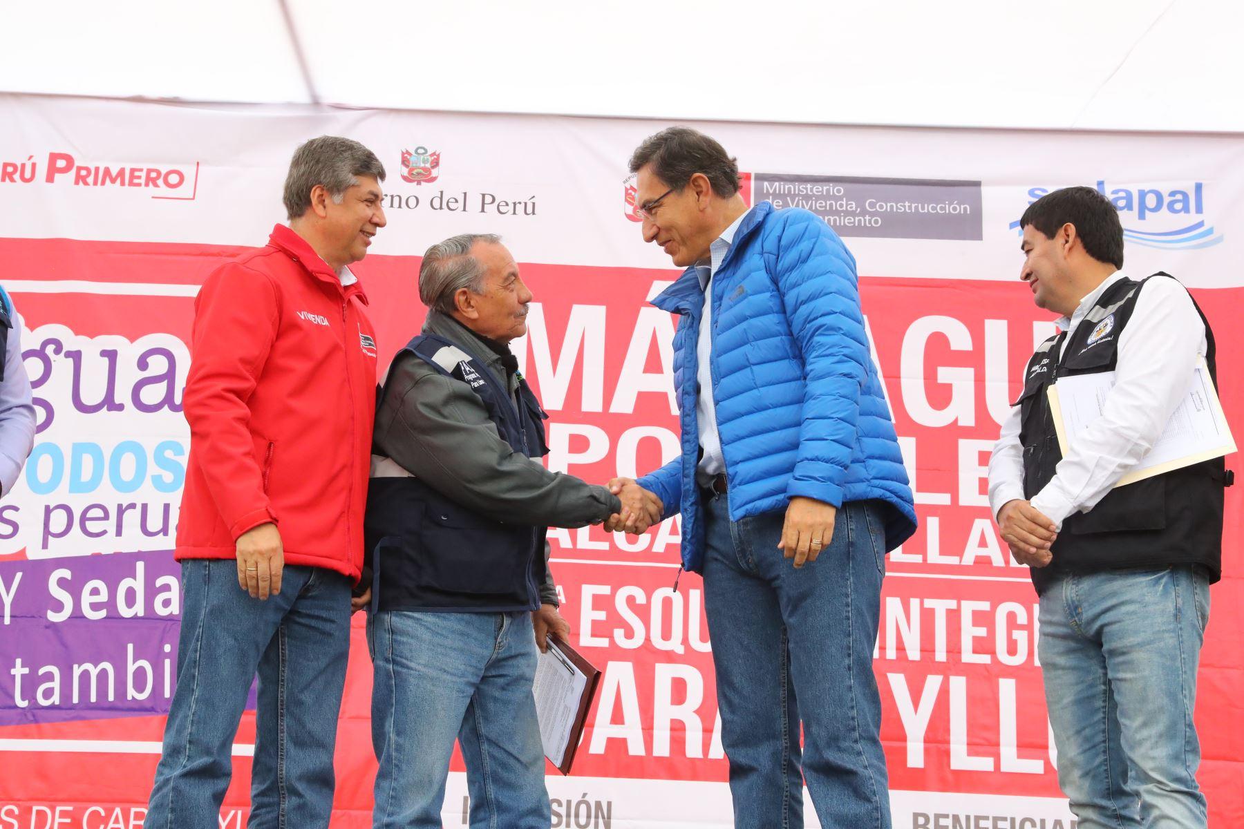 Presidente Martín Vizcarra anuncia  ampliar y mejorar los sistemas de agua potable y alcantarillado en Carabayllo. Este  proyecto esperado por más de 25 años, beneficiará a más de 140 mil ciudadanos. Foto: ANDINA/ Prensa Presidencia