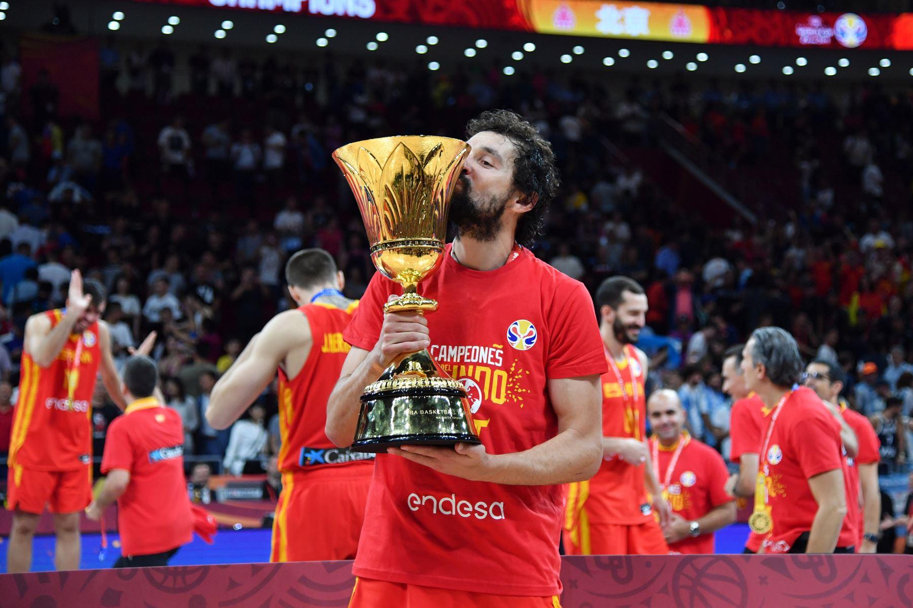 Sergio Llull  del Equipo España celebra después del partido contra el Equipo Argentina durante las Finales de la Copa Mundial FIBA 2019 en el Cadillac Arena en China. Foto: AFP