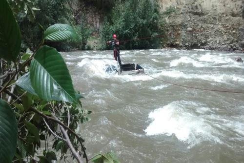Agentes de la Policía Nacional del Perú intensifican las acciones de búsqueda de Maritza Castillo Miranda (39), trabajadora de la Municipalidad Distrital de Huallanca, quien desapreció el último viernes mientras practicaba canotaje en el río Santa, en la región Áncash.