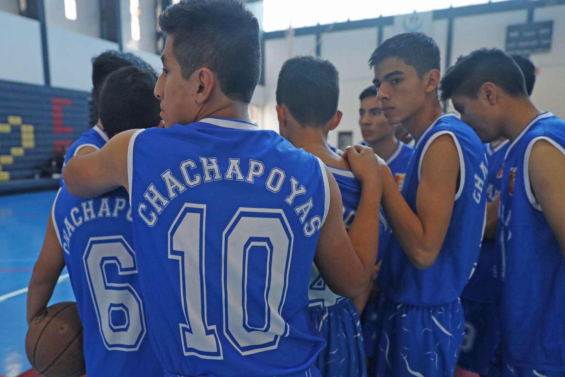 Colegio Seminario Jesús Maria de Chachapoyas (Amazonas) disputa encuentro con el colegio Cristo Rey de Tacna en los Juegos Deportivos Escolares Nacionales desarrollado en el colegio La Recoleta de La Molina. Foto: ANDINA/Renato Pajuelo