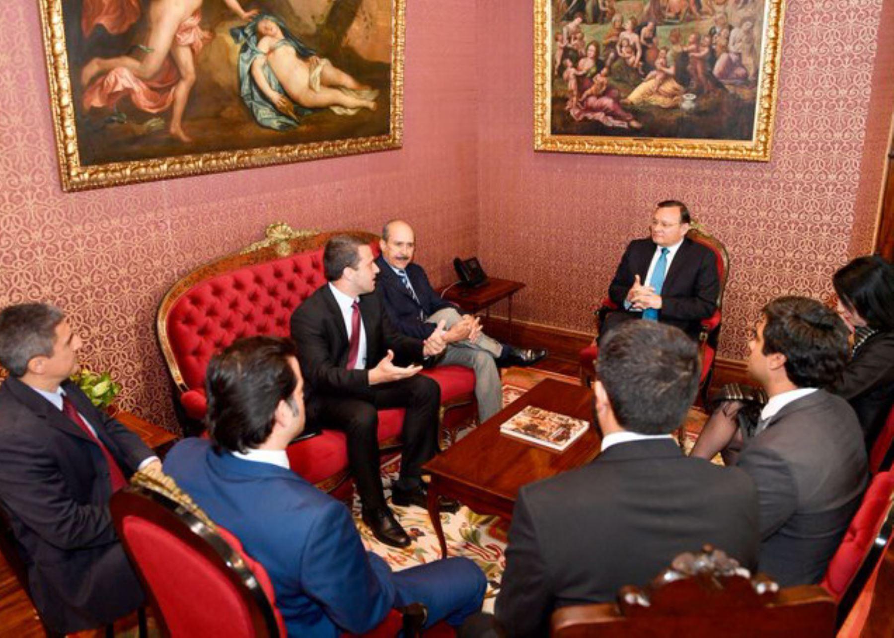 Canciller Néstor Popolizio se reunió con diputados venezolanos.