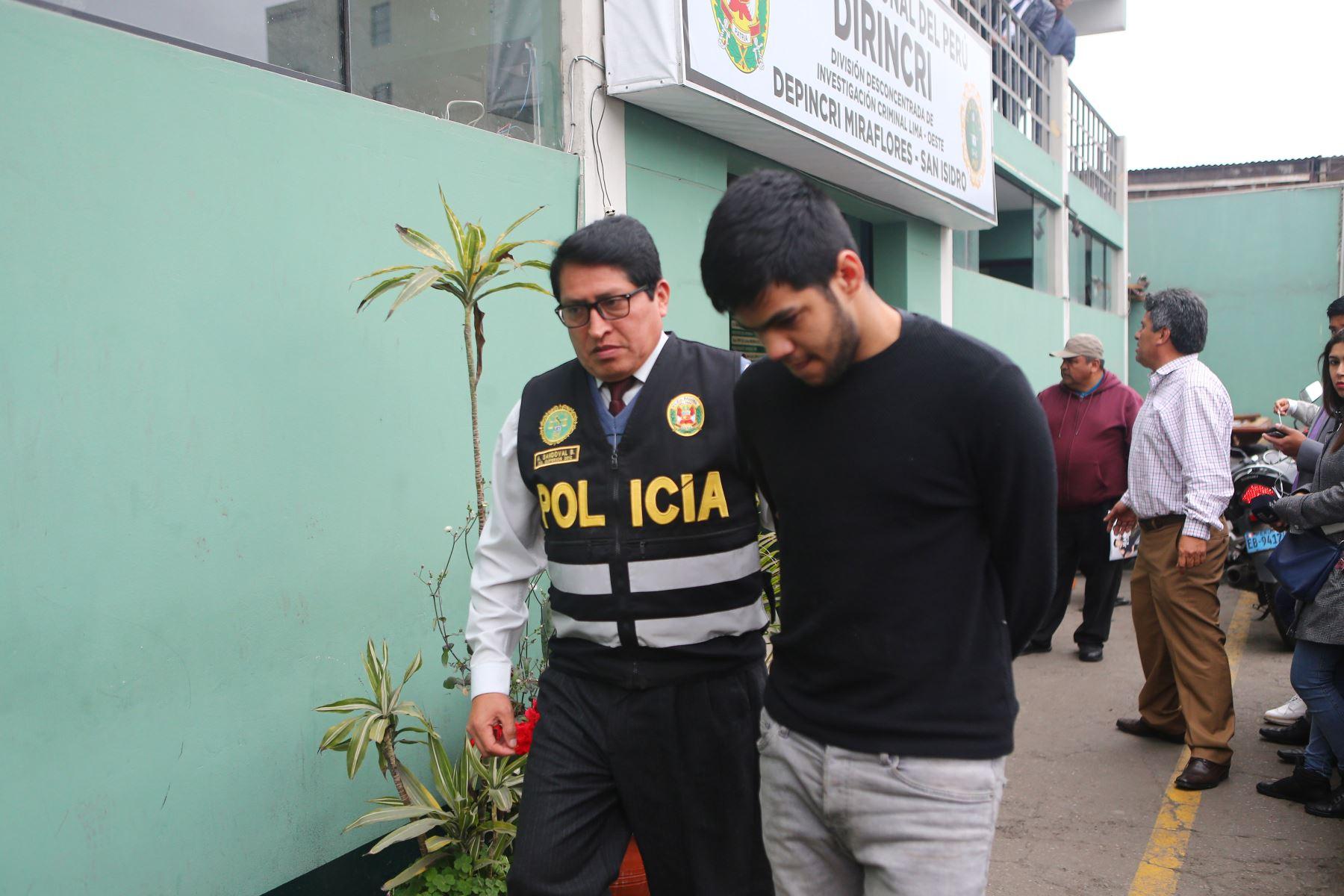 Sujeto venezolano acusado del robo de relojes de alta gama. Foto: ANDINA/Héctor Vinces
