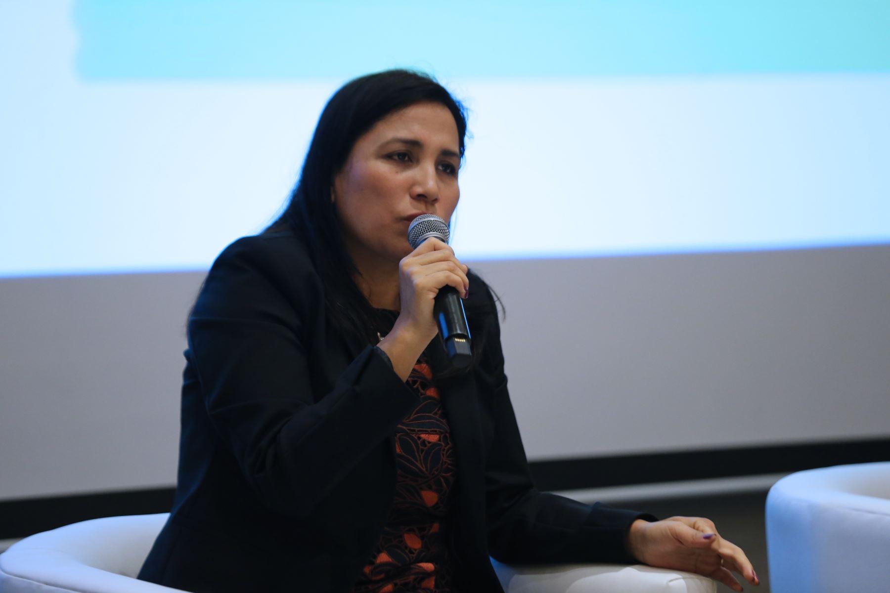 """Ministra de Educación, Flor Pablo elabora  una """"Hoja de Ruta"""" que servirá para poner en marcha el Plan de Acción con el fin de eliminar la violencia contra los niños, niñas y adolescentes 2020-2030. Foto: ANDINA/Norman Córdova"""