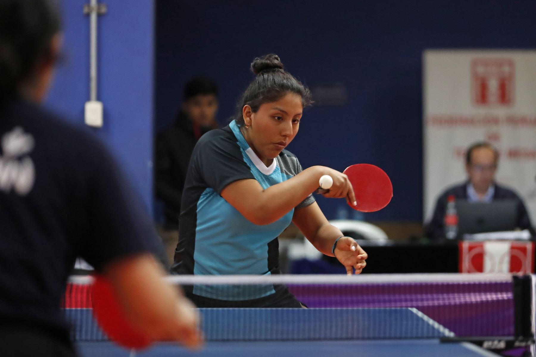 Sujey Carrasco del Colegio Paraiso del Niño de Tacna participa en categoría Tenis de Mesa de los Juegos Escolares 2019. Foto: ANDINA/Renato Pajuelo