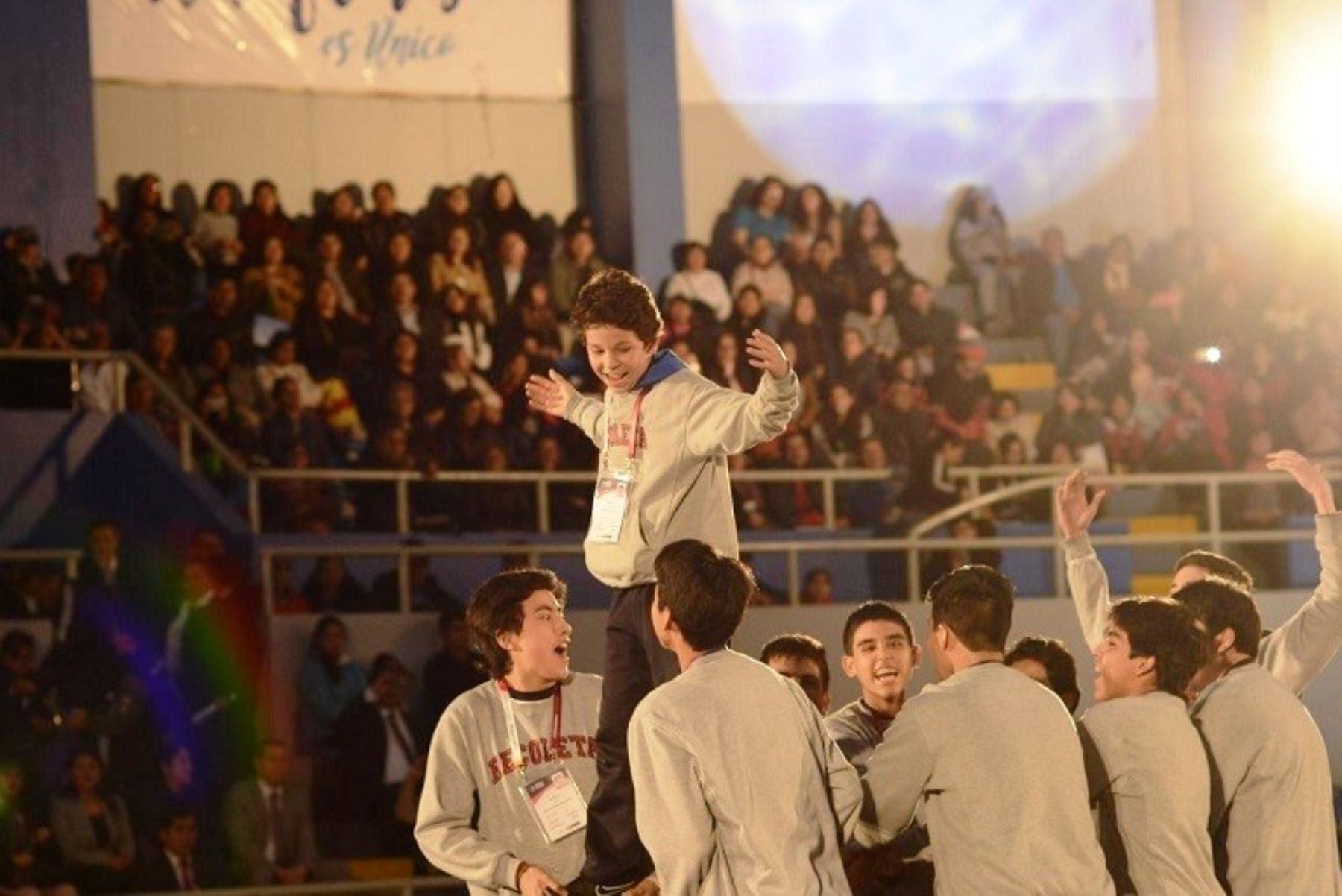 Voluntarios del Bicentenario participaron Juegos Deportivos Escolares 2019. Foto: ANDINA/Difusión.