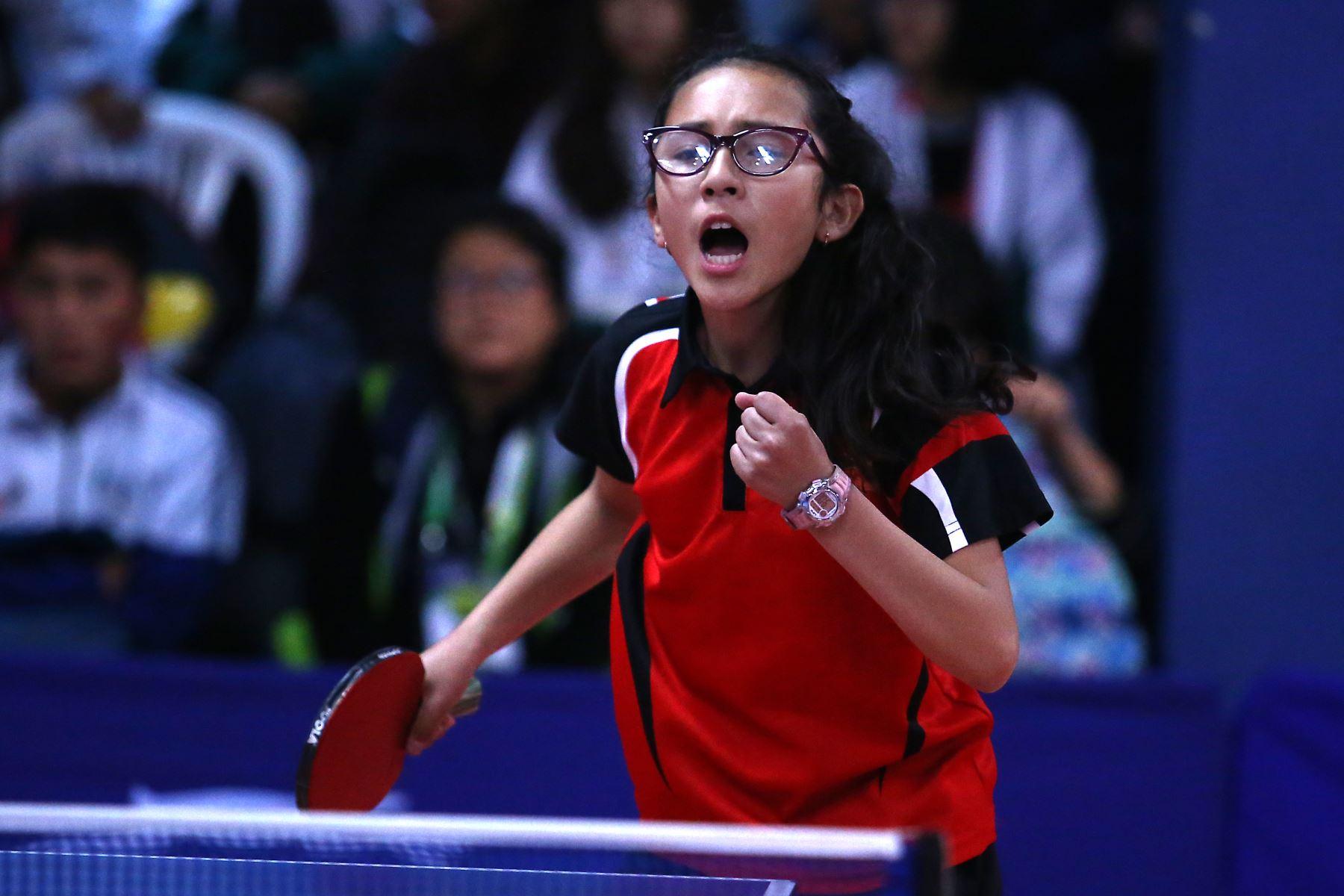 Alheli Naywa Llufire Pacheco del Colegio Maria Auxiliadora de Cusco participa en categoría Tenis de Mesa de los Juegos Escolares 2019. Foto: ANDINA/Vidal Tarqui