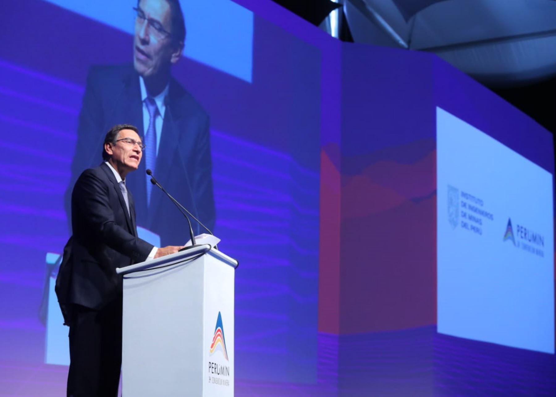 Presidente Martín Vizcarra asiste a Convención Minera Perumin en Arequipa.