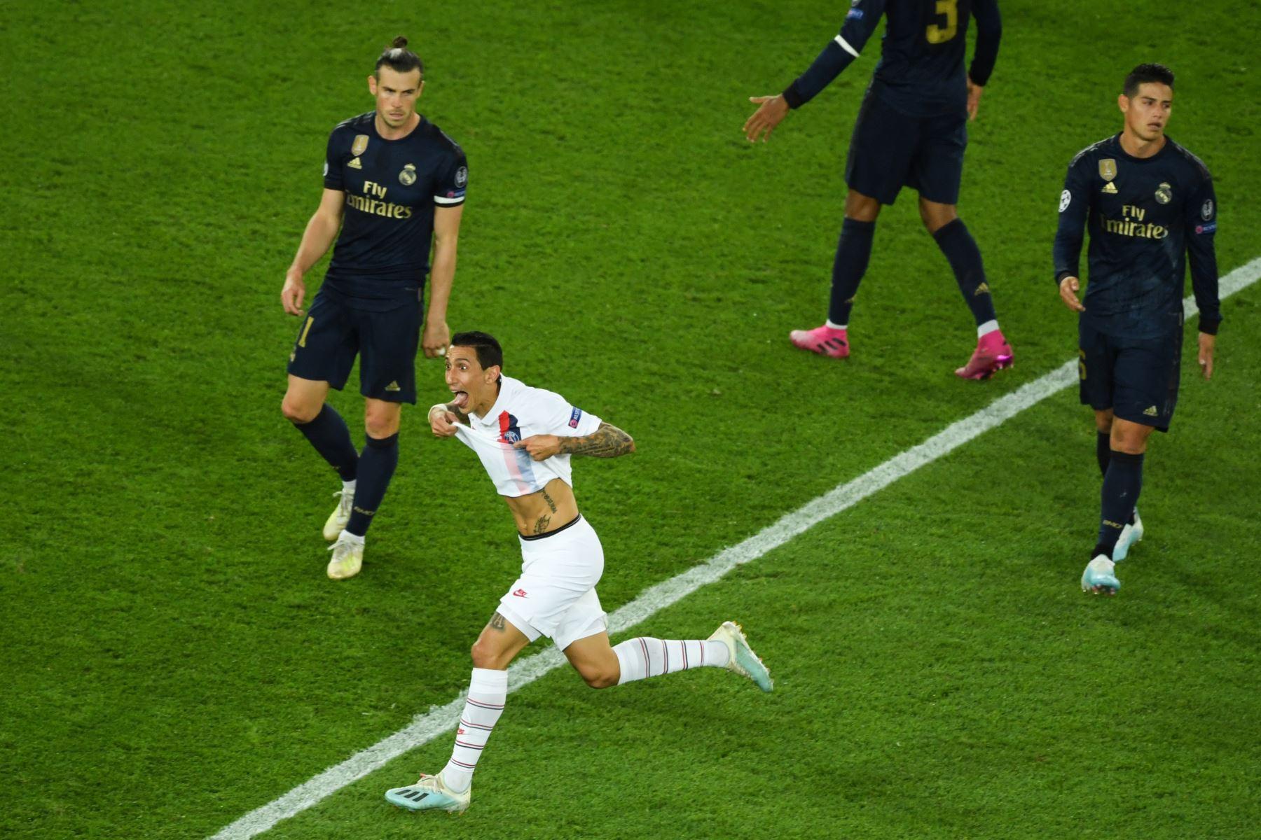 El centrocampista argentino del Paris Saint-Germain, Angel Di Maria, celebra su gol contra el Real Madrid. Foto: AFP