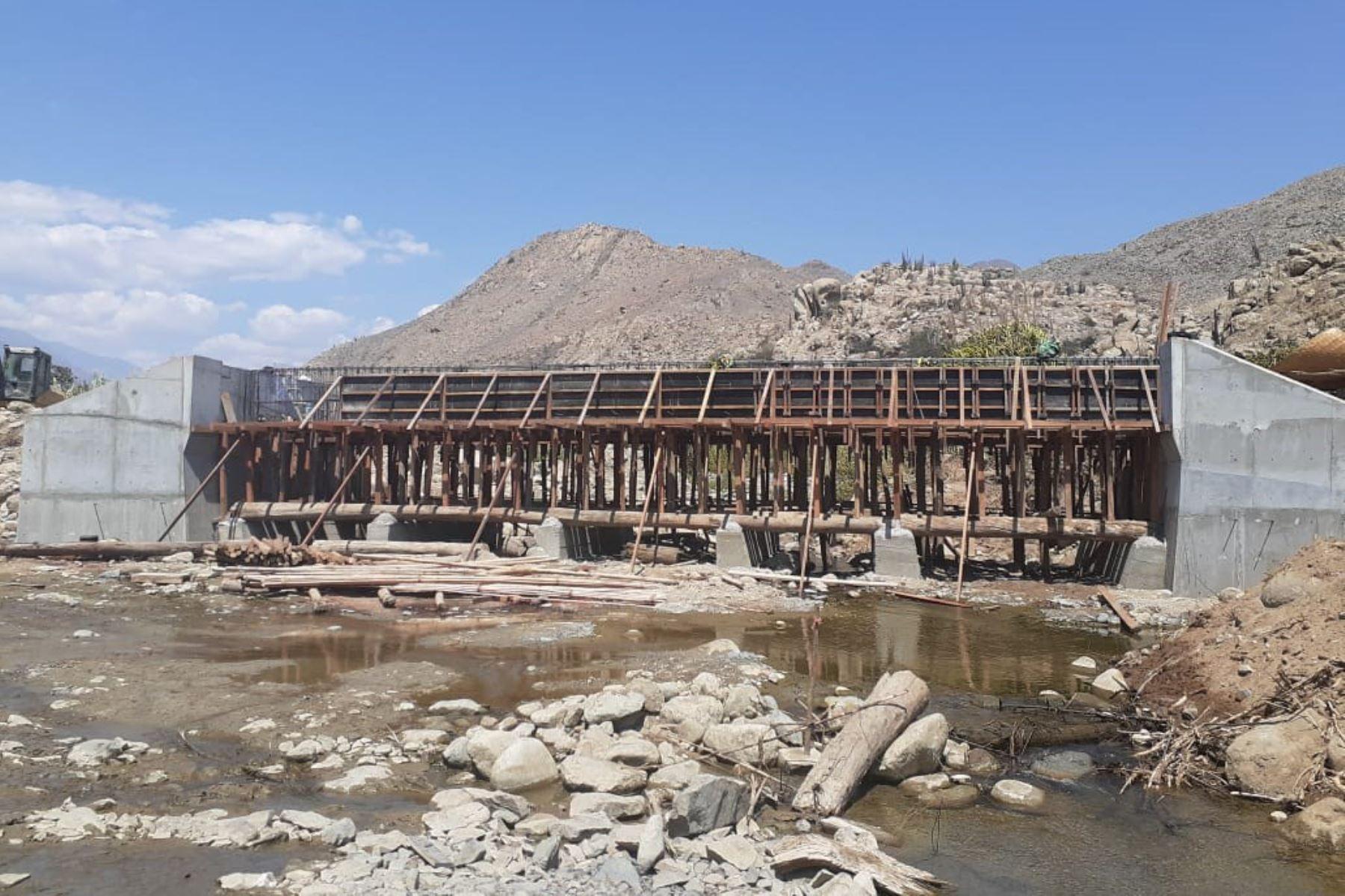 ANDINA/DifusiónLa Autoridad para la Reconstrucción con Cambios anunció que se aceleran las obras de reconstrucción en diversas provincias de Áncash. ANDINA/Difusión