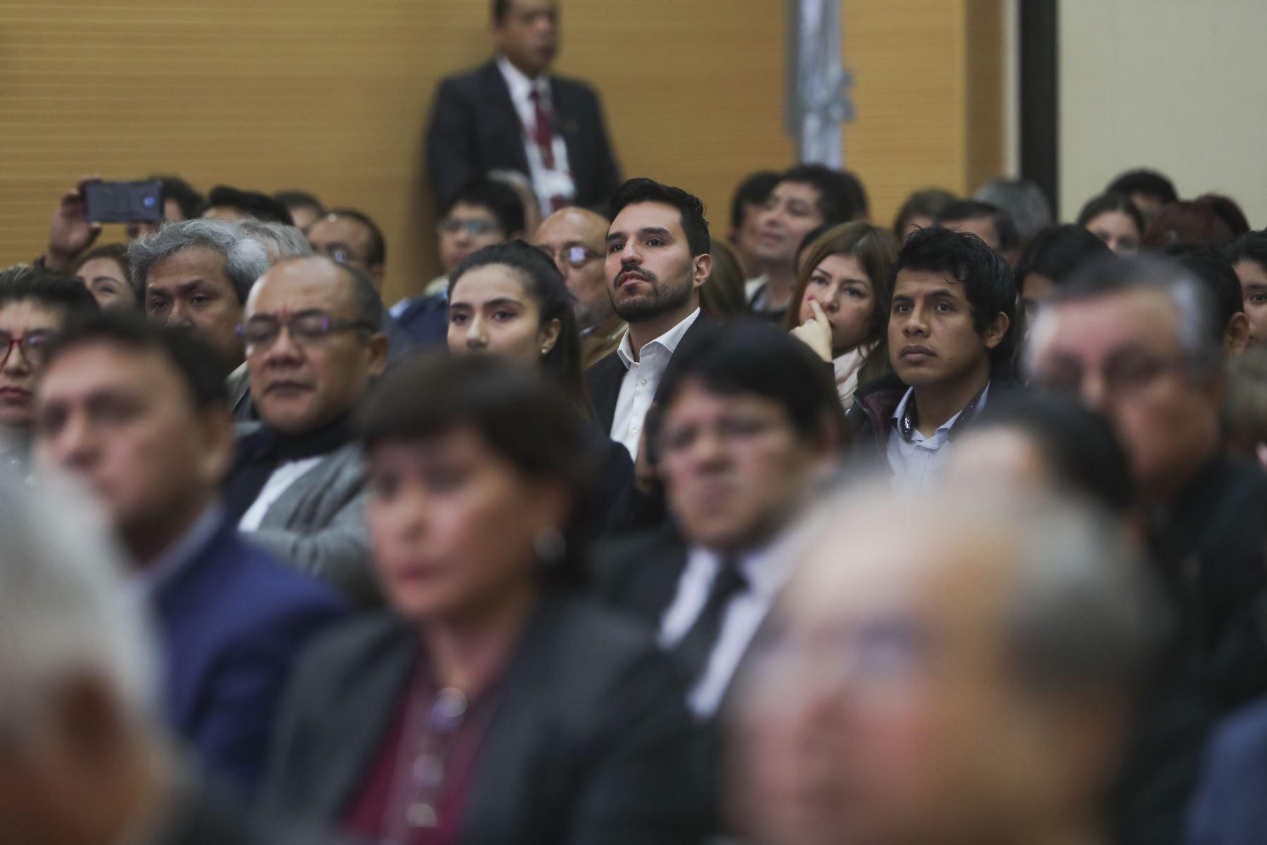 Expectativa en  inauguración de  la edición XV ExpoPyme, iniciativa que tiene como objetivo contribuir a la capacitación de la micro, pequeña y mediana empresa. Foto: ANDINA/Prensa Presidencia