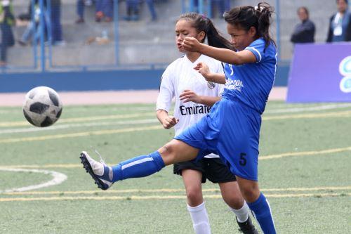 Juegos Escolares 2019:Estudiantes destacan en fútbol femenino