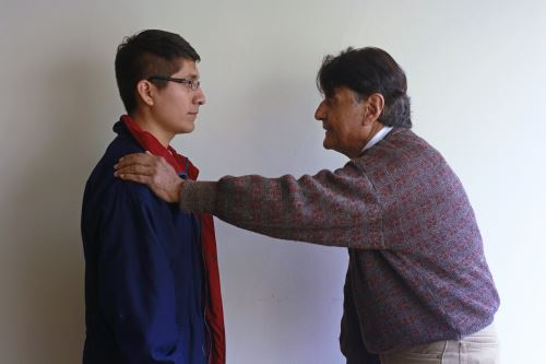 Reynaldo Arenas, primer actor peruano, compartirá tablas con egresados de la carrera de actuación en este VI Edición del Festival de Teatro Escena Sur.