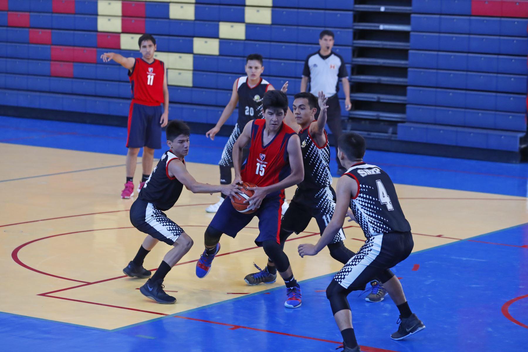 Colegio San Martín de Porres de Loreto disputa final contra San José Obrero Maristas de Trujillo por los Juegos Deportivos Escolares Nacionales 2019. Foto: ANDINA/Renato Pajuelo