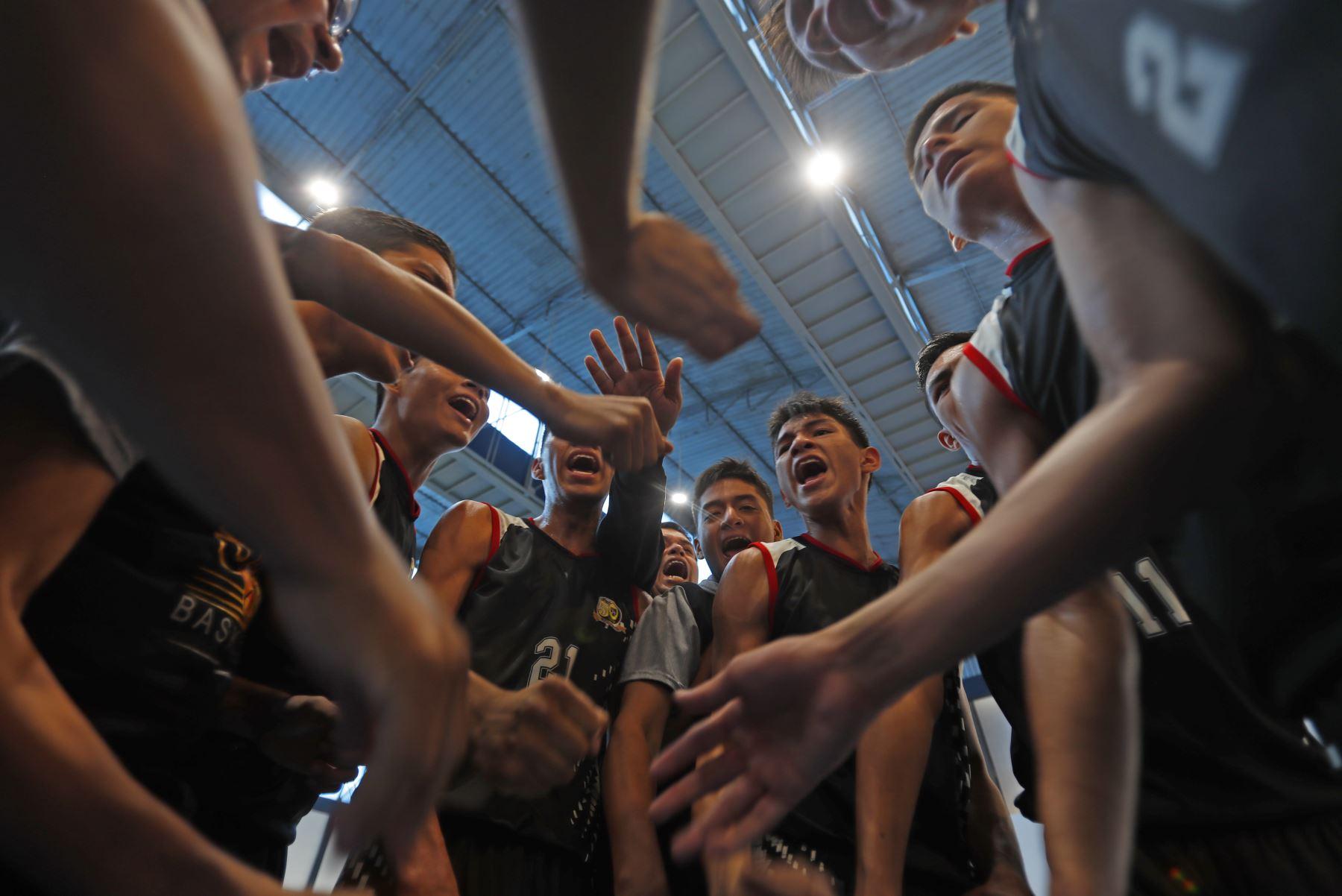 Colegio San Martín de Porres de Loreto disputa final en básquet por los Juegos Deportivos Escolares Nacionales 2019. Foto: ANDINA/Renato Pajuelo