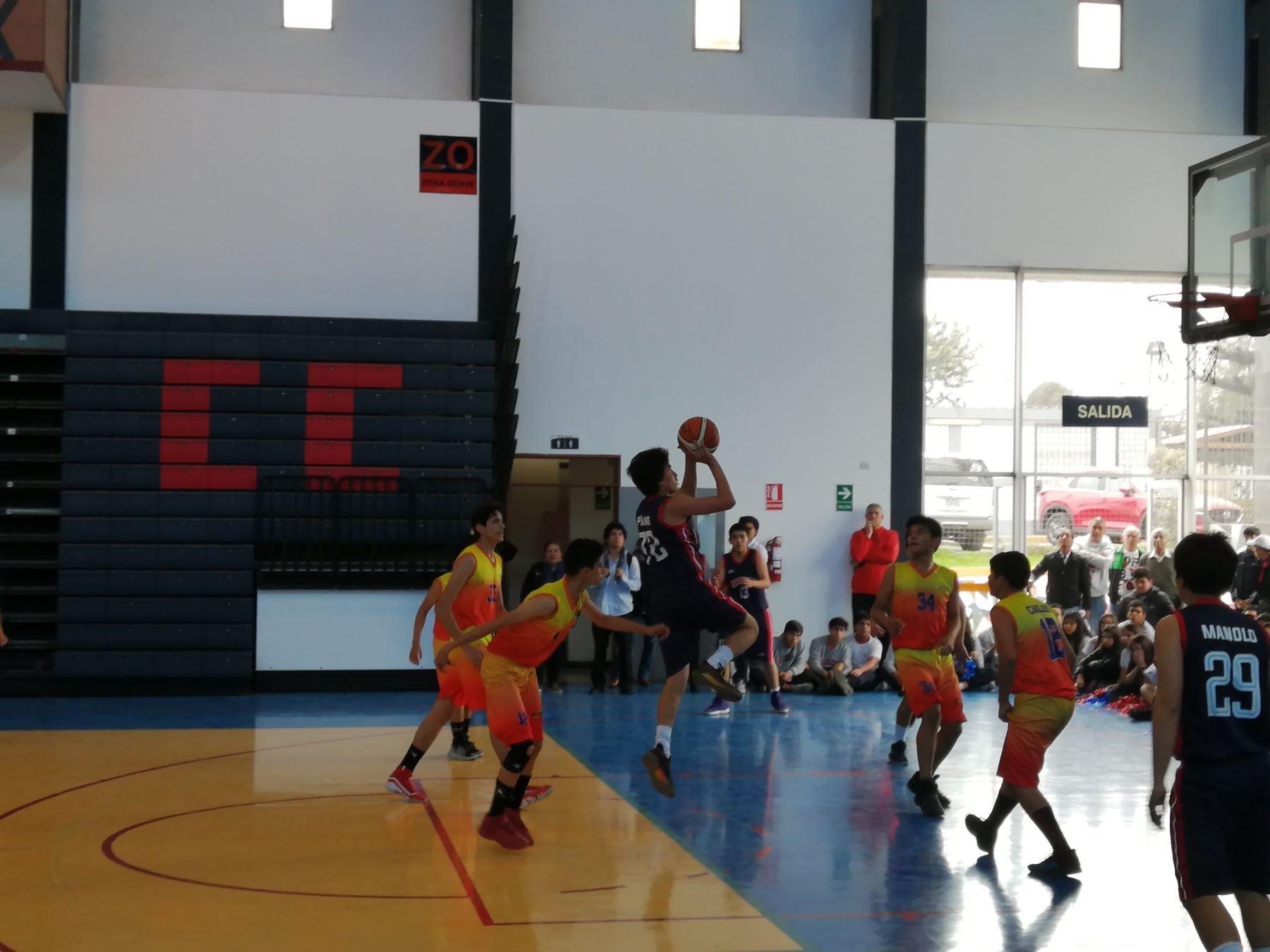 Juegos Escolares 2019: Colegio Sagrados Corazones Recoleta ganó medalla de oro en baloncesto masculino categoría B. Foto Luis Zuta