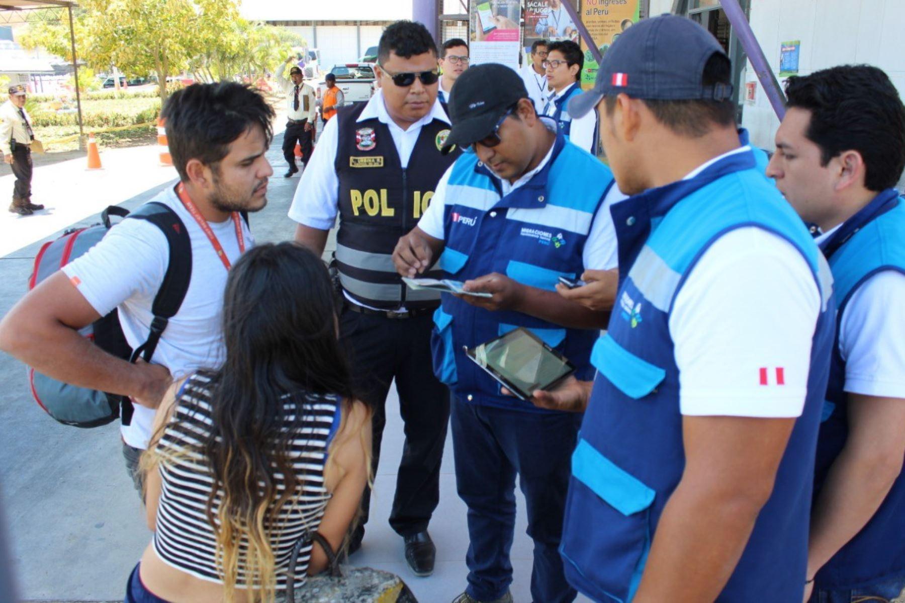 Migraciones intervino a extranjeros con permanencia irregular e ingreso ilegal al Perú