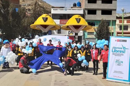 Defensoras y defensores públicos del Ministerio de Justicia y Derechos Humanos (Minjusdh) entregaron información y sensibilizaron a más de 60,000 peruanos y peruanas de diversas regiones sobre los peligros y consecuencias del delito de trata de personas.
