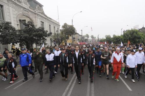 Presidente  Vizcarra participa en  la XVII edición de la Carrera Cívico Militar 7.5K por el Día de las Fuerzas Armadas