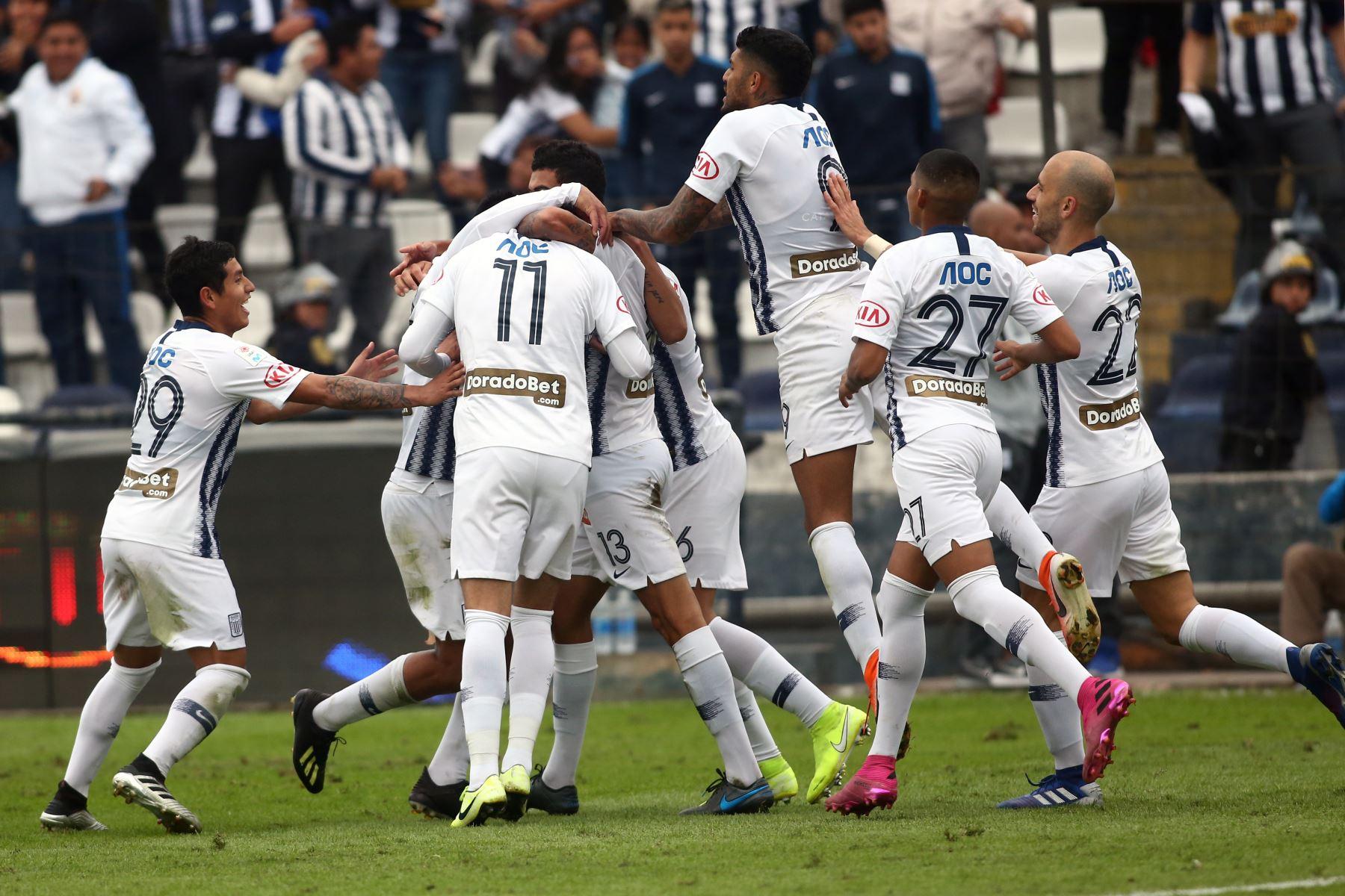 Equipo de Alianza Lima se enfrenta al Real Garcilaso por el Torneo Clausura de Liga 1. Foto: ANDINA/Vidal Tarqui