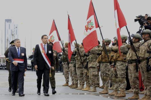 Presidente Martin Vizcarra participa en la ceremonia por el Día de las Fuerzas Armadas