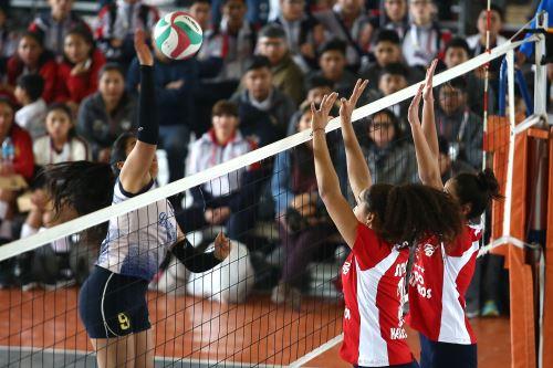 Juegos Deportivos Escolares 2019: Deportistas destacan en Voleibol