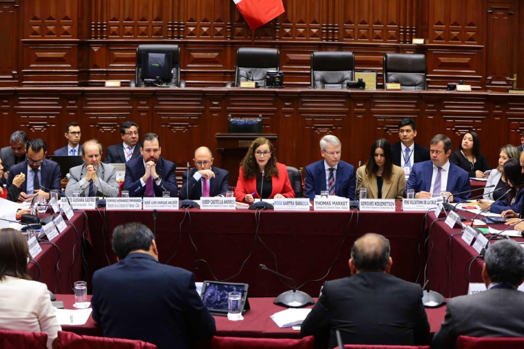 Comsión de Constitución. Comisión de Venecia