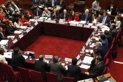 Delegación de la Comisión de Venecia participa en la Comisión de Constitución del Congreso