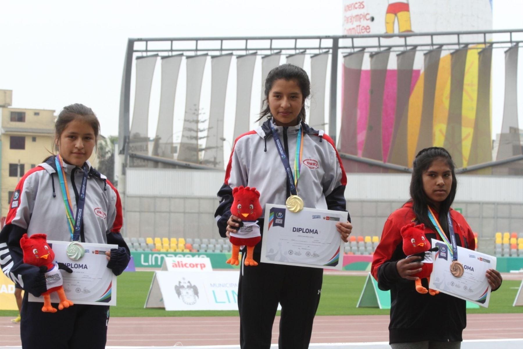 Lucero Choca Santiago y Jazmín Pérez Zamudio lograron imponerse en la prueba de los 1.500 metros