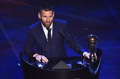 Lionel Messi recibe el premio The Best FIFA al mejor jugador del 2019