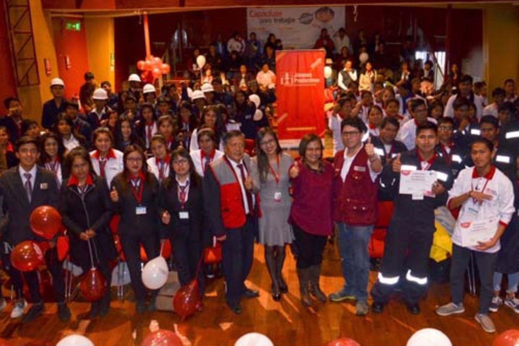 Programa Jóvenes Productivos del Ministerio de Trabajo y Promoción del Empleo, capacitó a 95  jóvenes en condición de pobreza y vulnerabilidad del departamento de Cusco.