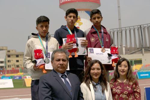 Viceministro Guido Rospigliosi participó en la premiación de campeones escolares en la Videna. ANDINA/Difusión