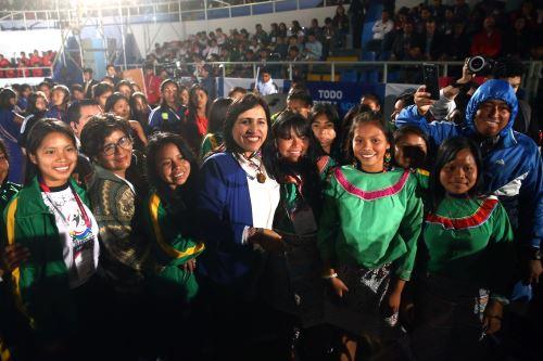La ministra Flor Pablo agradeció la participación entusiasta de los deportistas escolares de todo el Perú. ANDINA/Vidal Tarqui