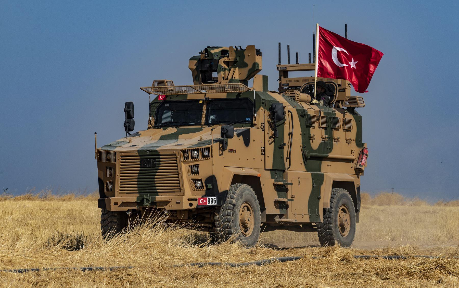 Resultado de imagen para Turquía reiteró su amenaza de intervenir en Siria «por tierra y aire»