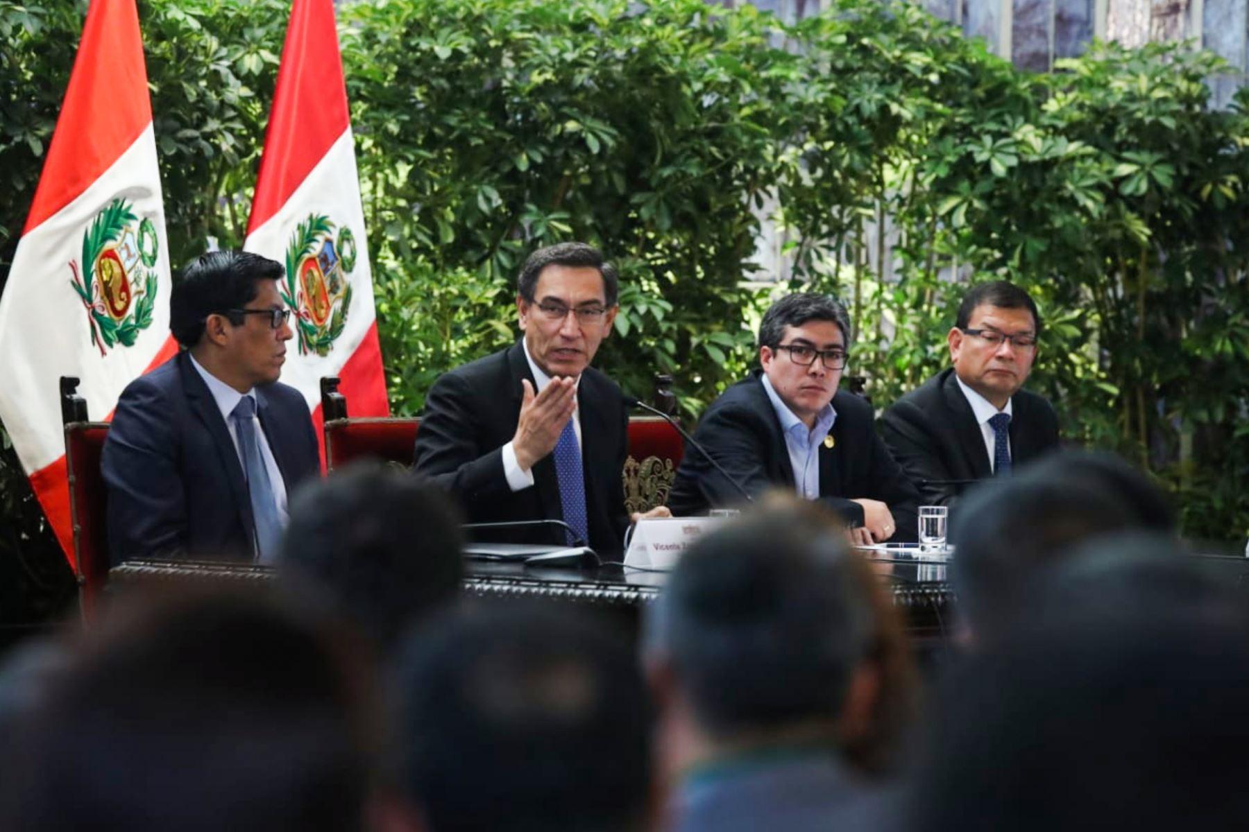 El presidente Martin Vizcarra, participa en el Encuentro del Gobierno Nacional y los alcaldes de la Red de Municipalidades Urbanas y Rurales del Perú-REMURPE. Foto: ANDINA/Prensa Presidencia
