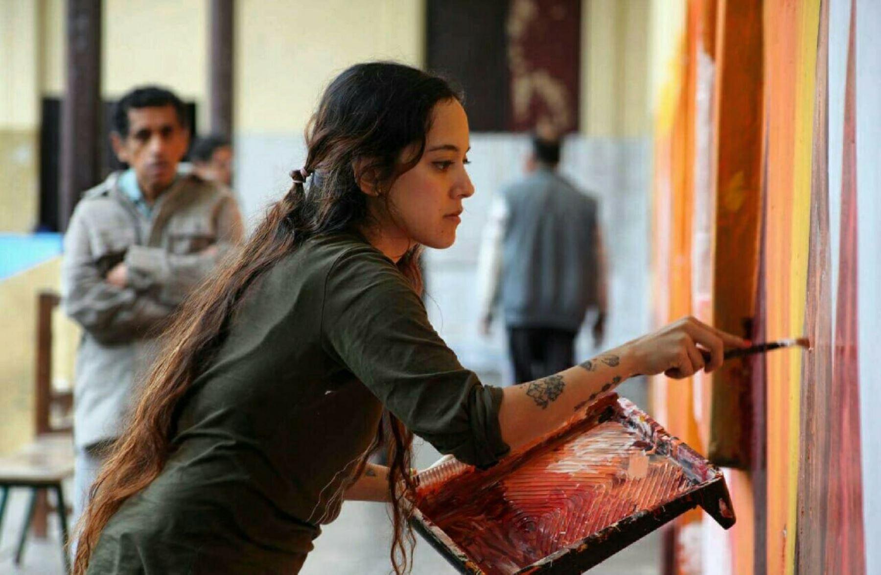 Fátima Foronda trabajando en un pabellón del Hospital Larco Herrera.