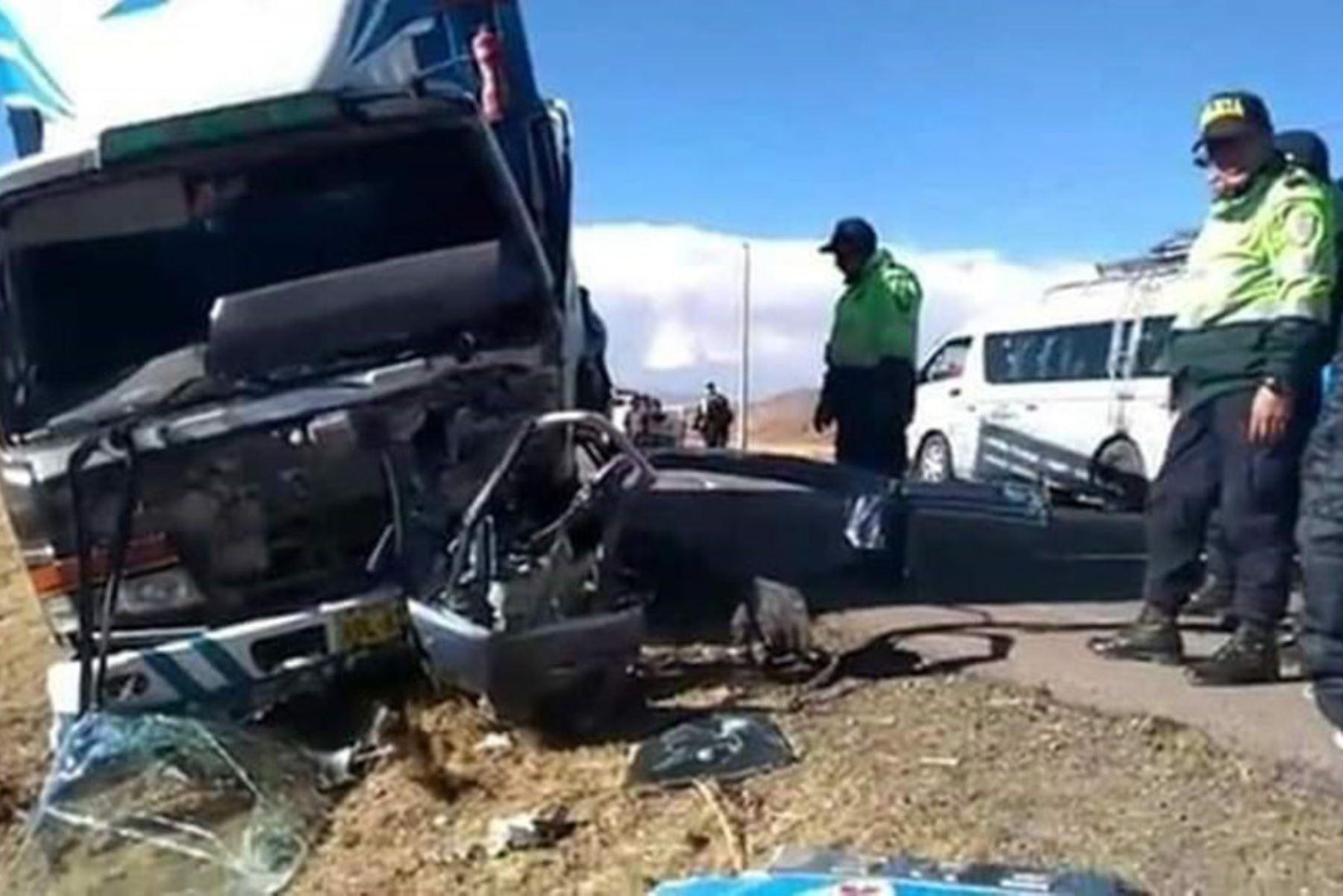 Dos personas mueren en accidente de tránsito en la carretera Azángaro-Juliaca, en Puno. ANDINA/Difusión