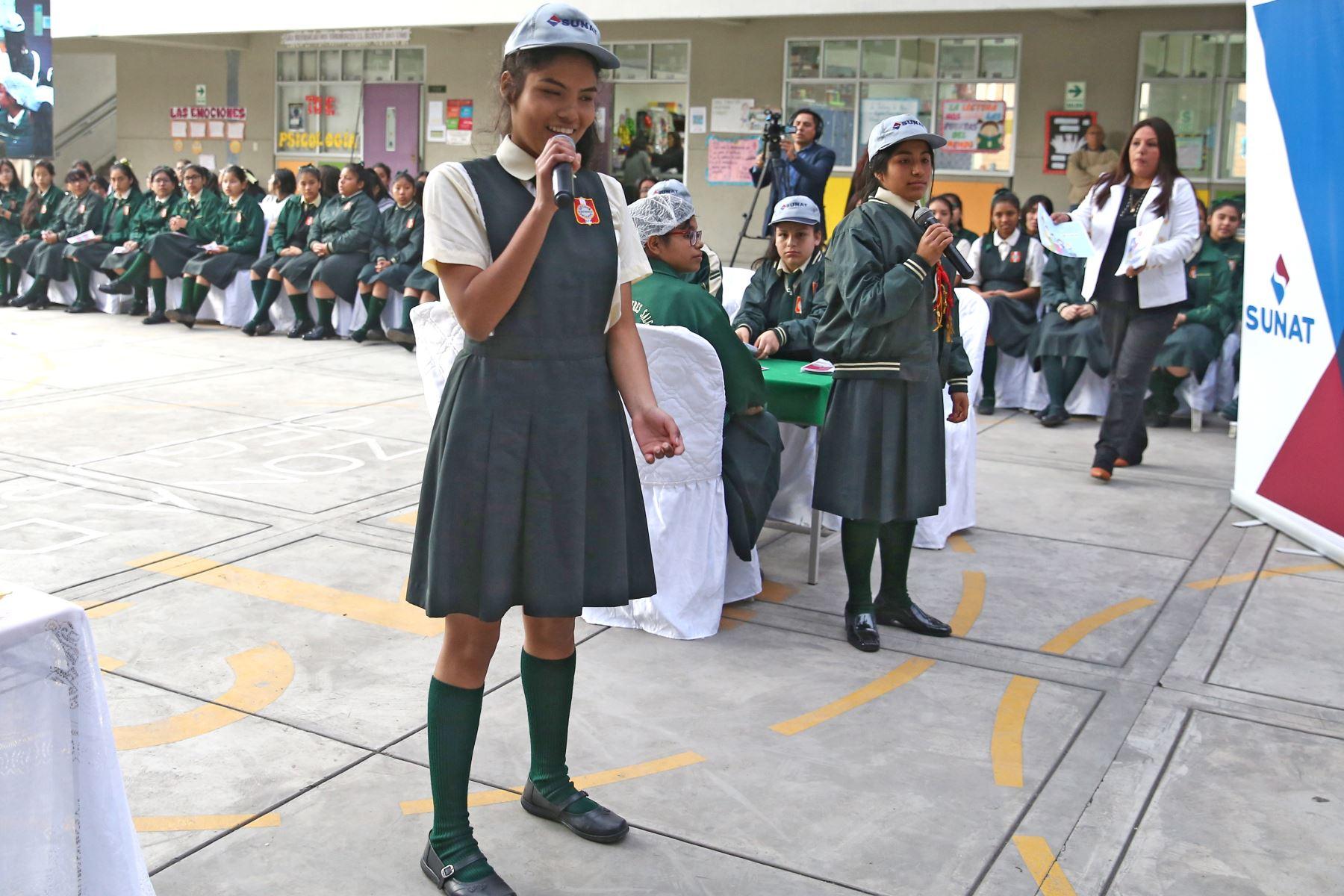 Sunat promueve importancia de pago de impuestos entre más de 175,000 escolares. Foto: ANDINA/ Vidal Tarqui