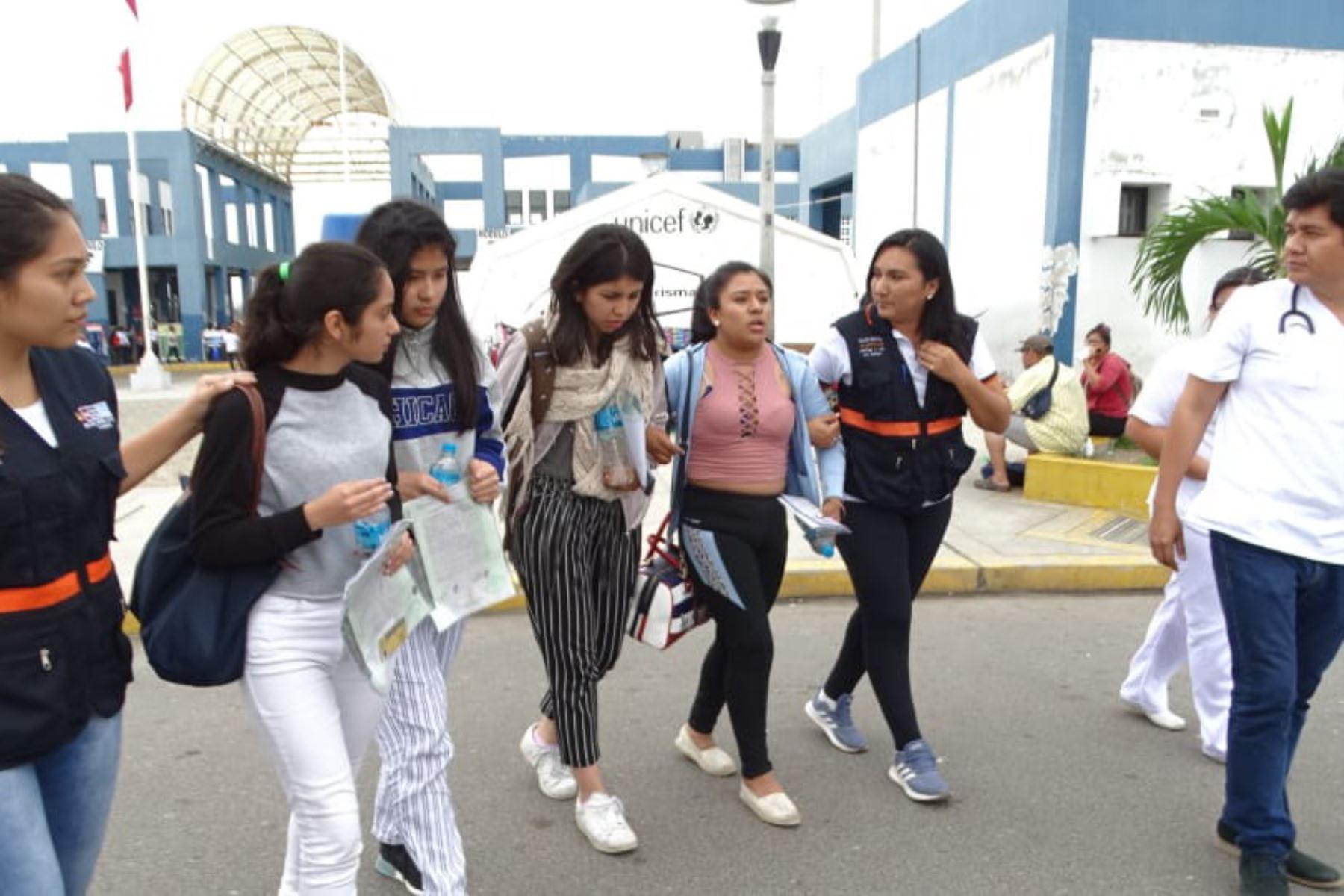 Escolares arribaron al CEBAP Tumbes. Foto: Jahel Yovera