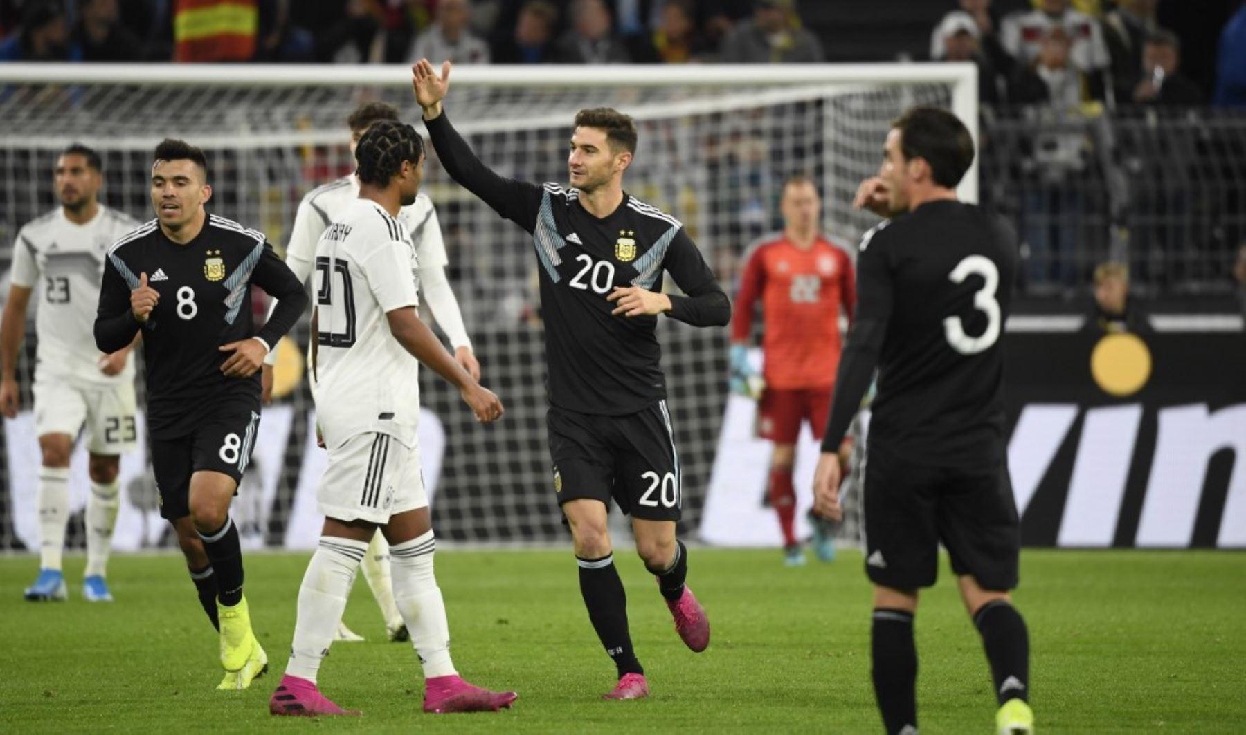 Lucas Alario pone el empate definitivo para Argentina