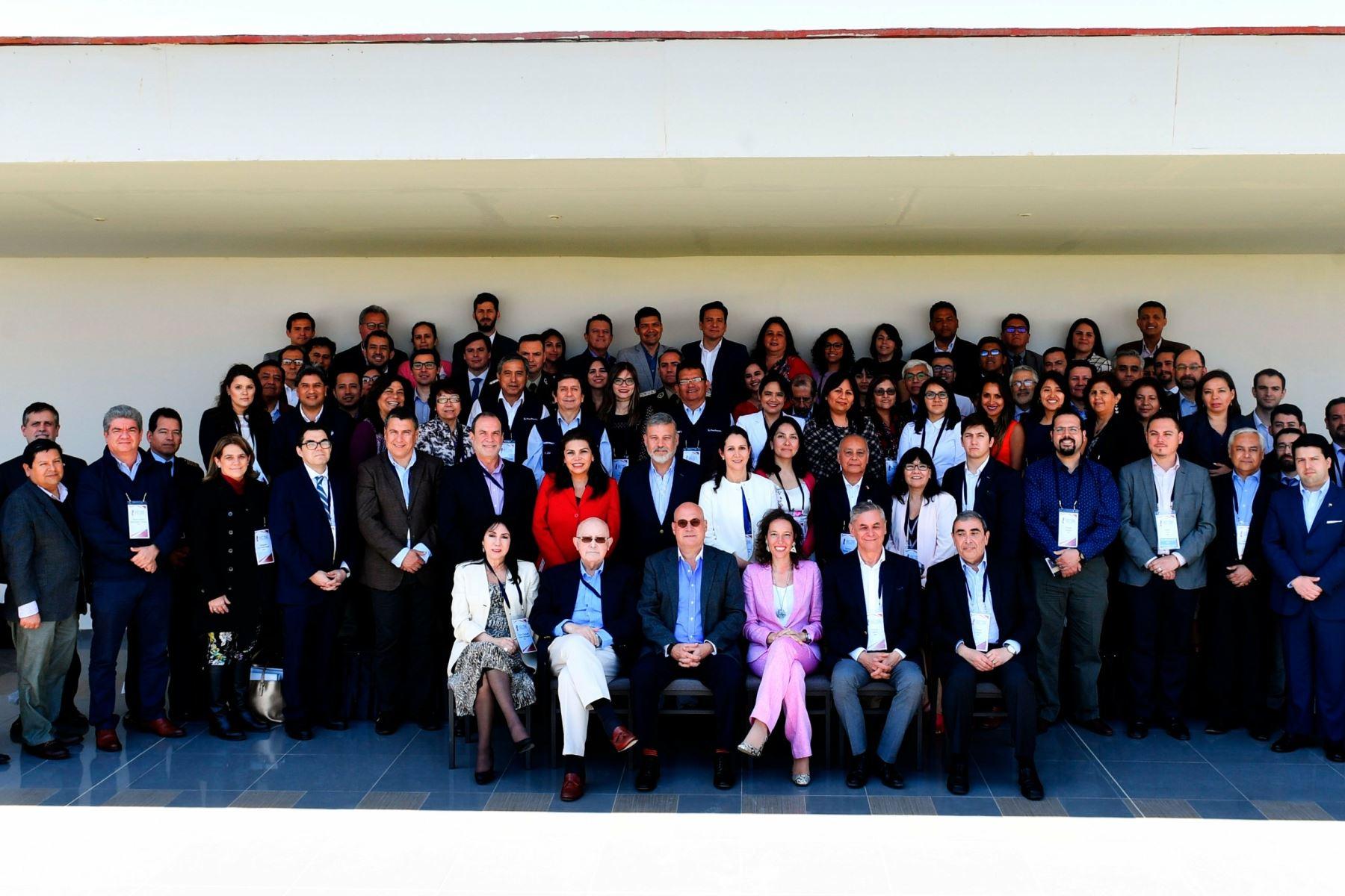 Fotografia de los funcionrios que concluyen las reuniones de los ejes temáticos, lideradas por los vicecancilleres, previas al Encuentro Presidencial y III Gabinete Binacional que se realiza en Paracas.Foto:ANDINA/MRE