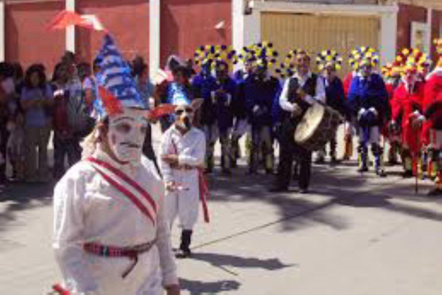 Danza Augas de Pampas del Carmen. del distrito de Llatas, provincia de Huamalíes, región Huánuco.