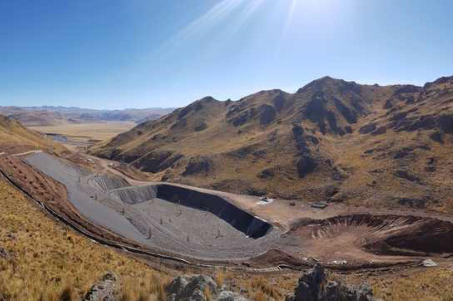 Ministerio del Ambiente apoya la construcción de celda transitoria para disposición de residuos sólidos de la provincia de San Román, en Puno.