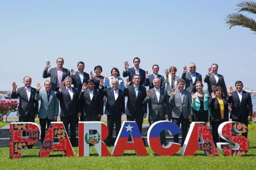 Fotografía Oficial del Encuentro Presidencial y III Gabinete Binacional Perú Chile