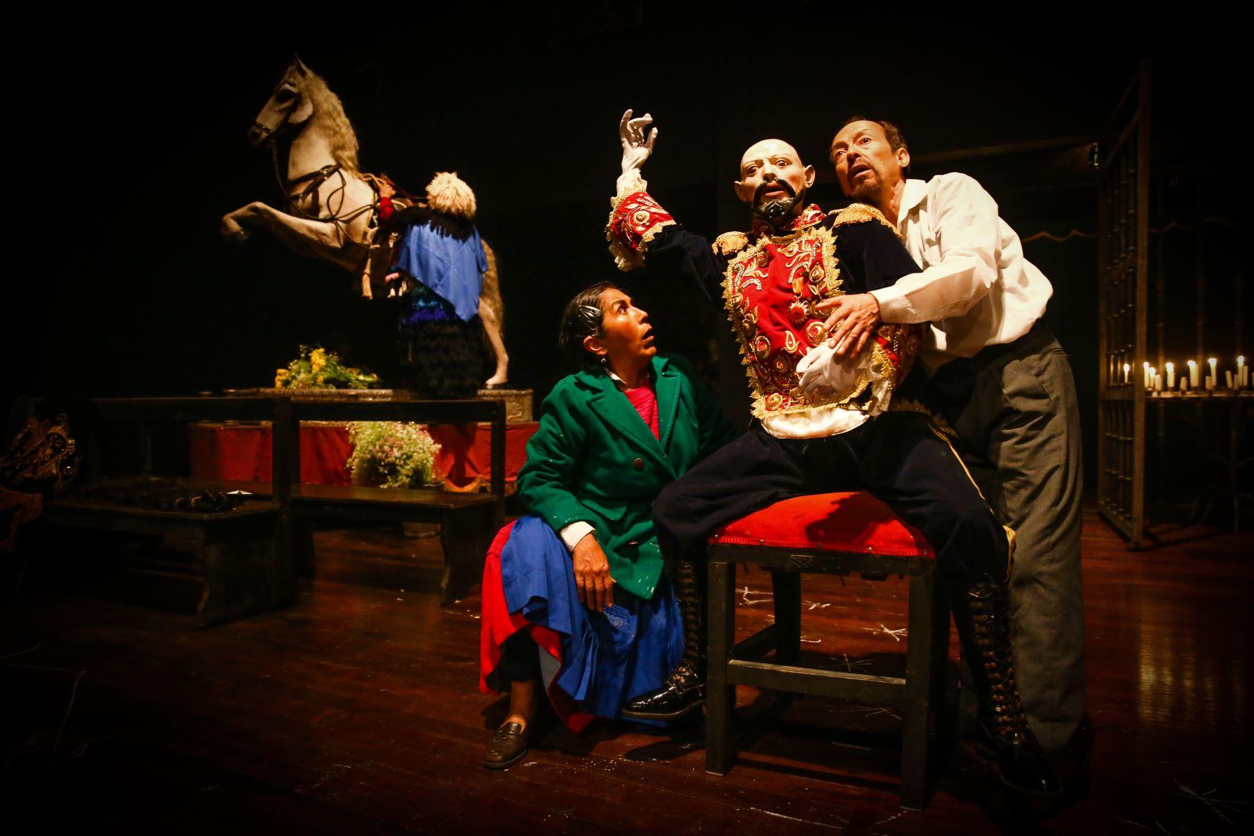 Tres personajes, Bernardina, Armando y Rufino, se enfrentan a las heridas que les deja el conflicto armado. Foto: ANDINA/Vidal Tarqui